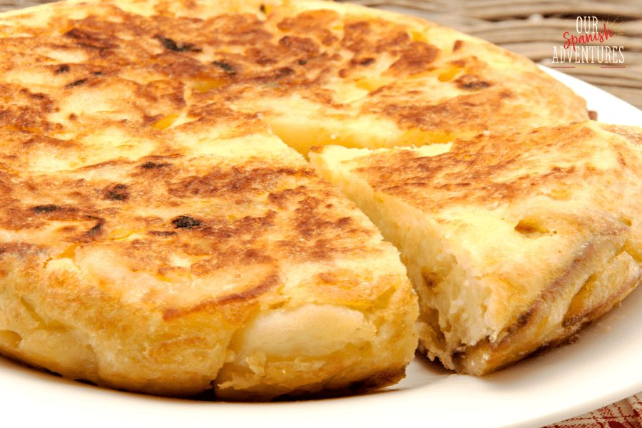 Most popular Spanish dishes - Spanish Omelette