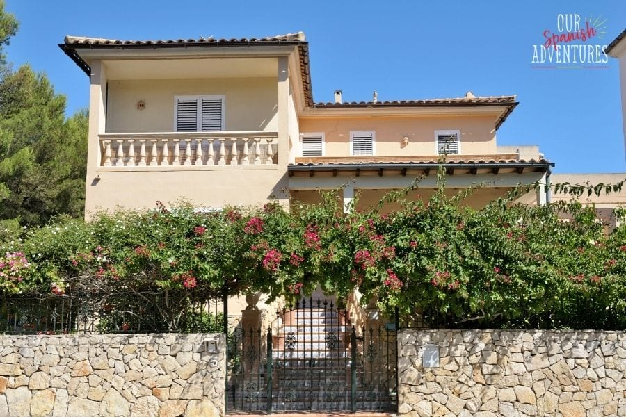 tips for expats buying a house in Spain